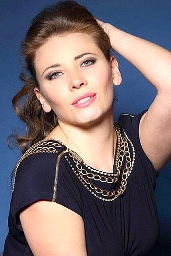 Victoriya age 34