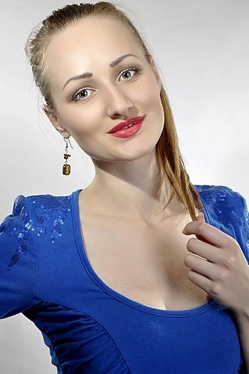 Oksana age 28