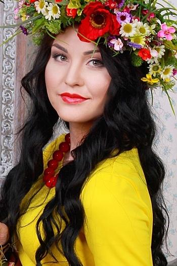 Olena age 23
