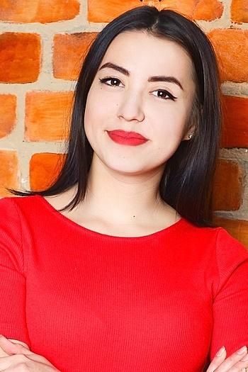 Aleksandra age 21