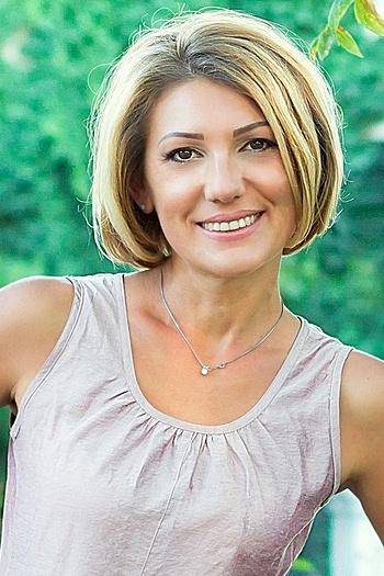 Juliya age 43