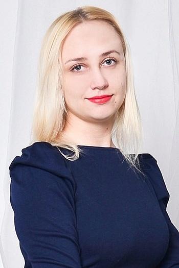 Anna age 20