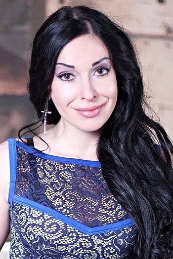 Alena age 31