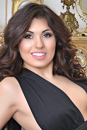 Zarina age 24