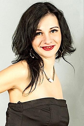 Alena age 27