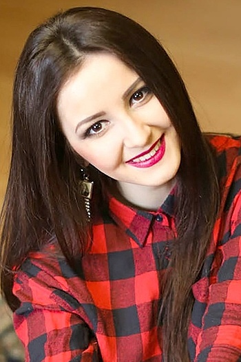 Tetyana age 22