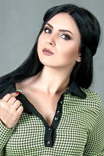 Alena age 23