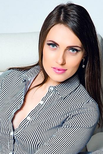 Yulia age 24