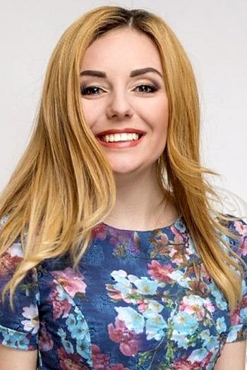 Oksana age 22