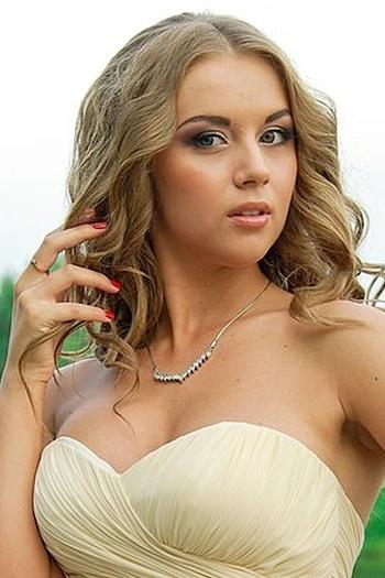Mariya age 22