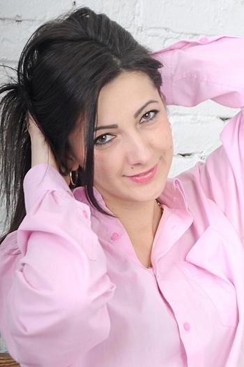 Oksana age 32