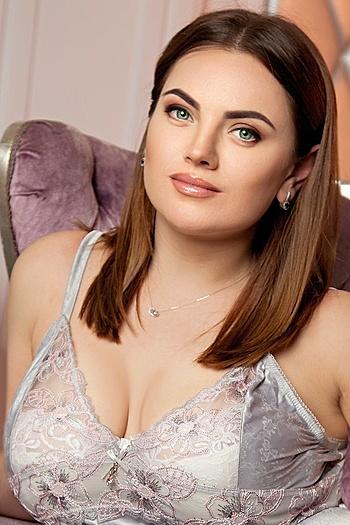 Inesa age 31