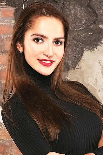 Darya age 21