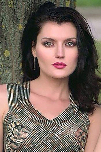 Mariya age 33