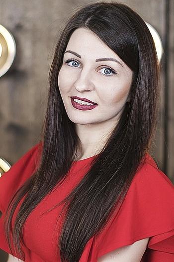 Oksana age 25