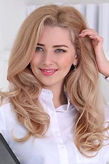 Yana age 24