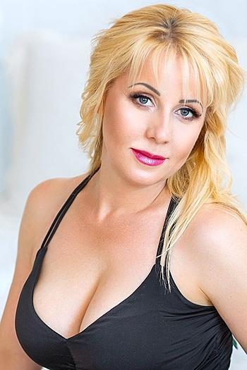 Raisa age 41