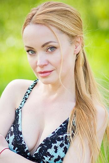 Julia age 41