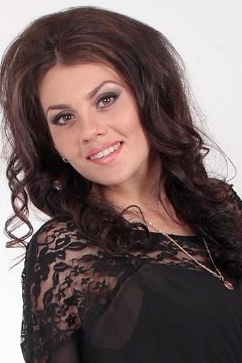 Nina age 24