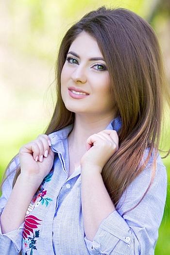 Emma age 25