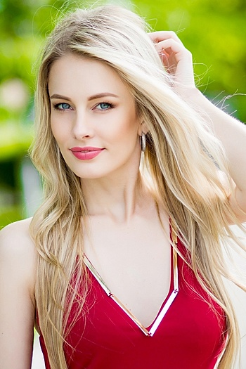 Liliya age 28