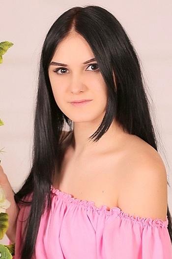 Darina age 23