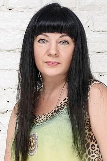Viktoriya age 45