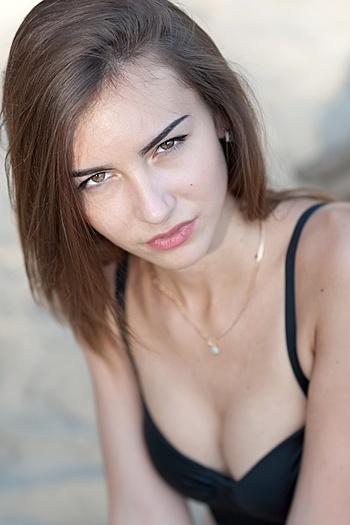 Alena age 20