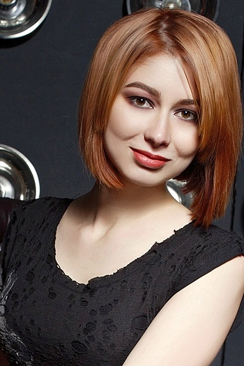 Yana age 28