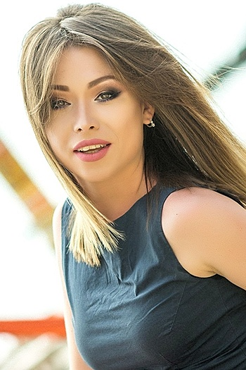Aleksandra age 28