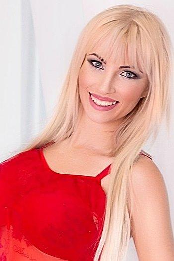 Snezhana age 25