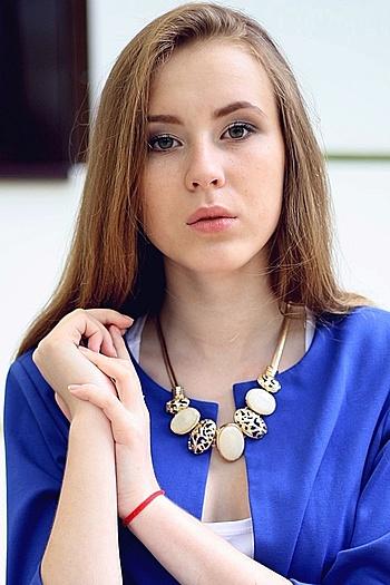 Julia age 19