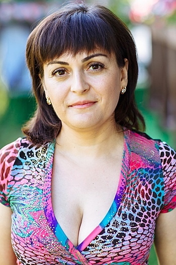 Ekaterina age 36
