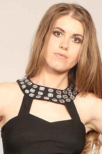 Julia age 29