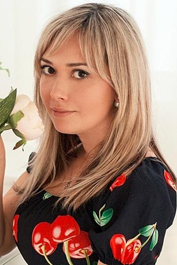 Alina age 34