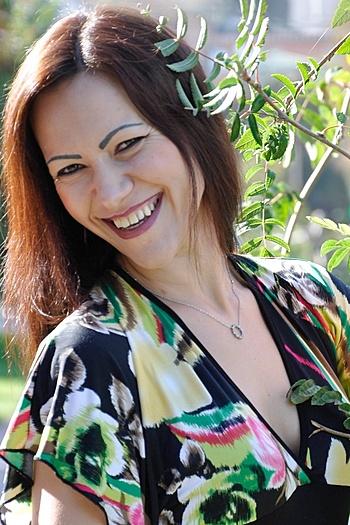 Lesya age 32