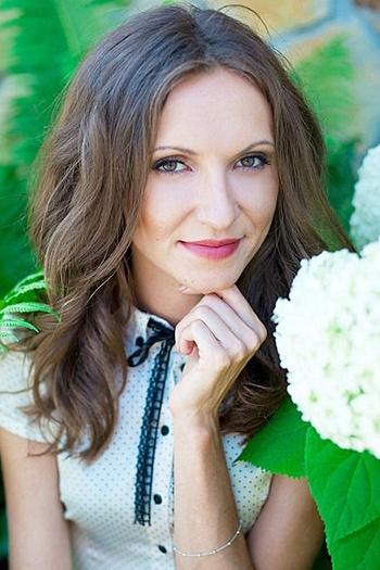 Nadezhda age 32