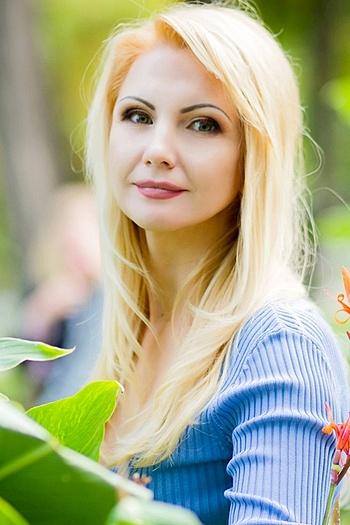 Victoria age 42