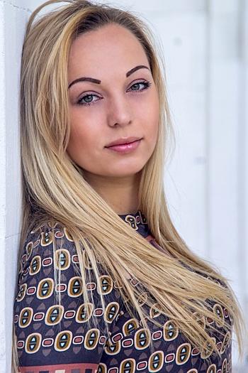 Sofia age 28