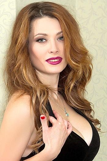 Alena age 29