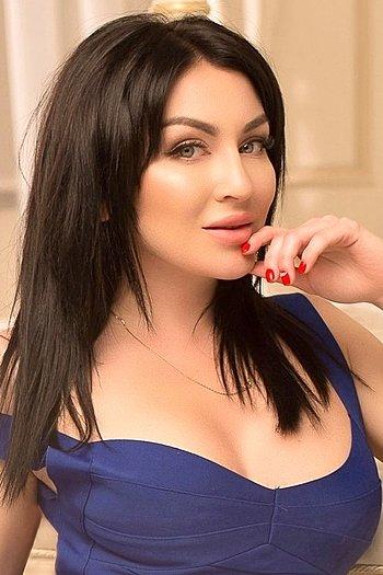 Naylya age 30