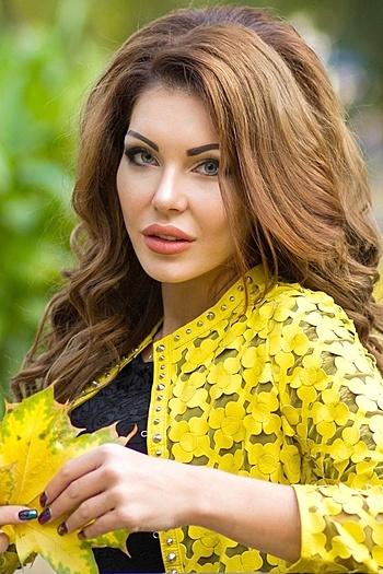 Liliya age 31
