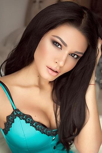 Yuliya age 25