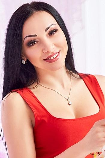 Yuliya age 32