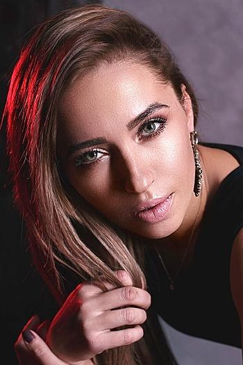 Yuliya age 36