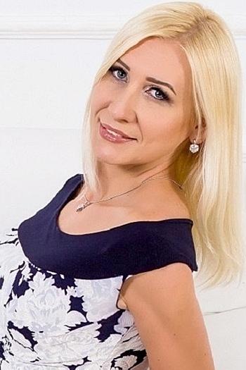 Julia age 38