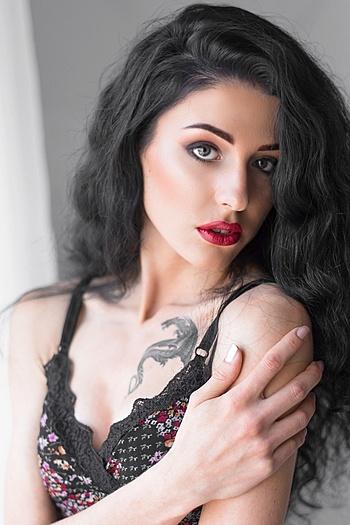 Yulia age 20