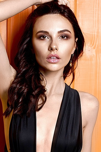 Victoria age 22