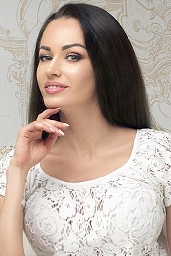 Alesya age 30