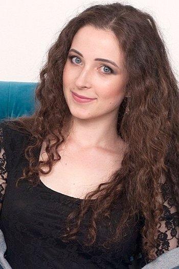 Irina age 25